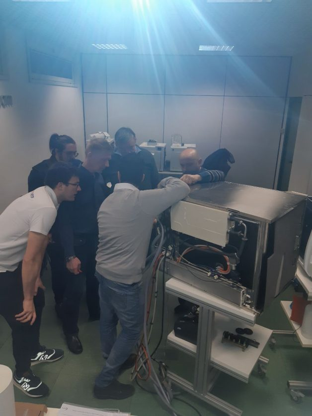 Tehniskās apmācības kursi par zobārstniecības, sterilizācijas iekārtām un kompresoriem